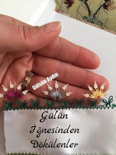 This Pin was discovered by Ays Filet Crochet, Knit Crochet, Olay, Hand Embroidery, Tatting, Needlework, Diy And Crafts, Balcony, Sewing