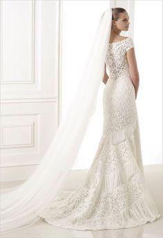 2015 Pronovias Collection ---> http://www.weddingchicks.com/2014/05/09/pronovias/