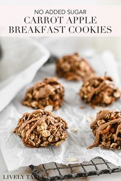 These delicious, cinnamon spiced carrot apple oatmeal breakfast cookies made with no added sugar are a healthy snack or breakfast for babies, kids, and adults. They're perfect for meal prep! (#glutenfree, #dairyfree) #breakfastcookies #healthymealprep #mealprepideas #mealprepinspo #glutenfreedairyfree #noaddedsugar #healthysnacks #blwideas #babyledweaning #applerecipes #mealprepsnacks #mealprepbreakfast #glutenfreebreakfast #toddlersnacks #healthykidsnacks #kidsnacks #glutenfreekidsnacks Oatmeal Breakfast Cookies, Baked Oatmeal Cups, Apple Breakfast, Apple Oatmeal, Egg Recipes For Breakfast, Egg Free Recipes, Apple Recipes, Real Food Recipes, Quick Snacks