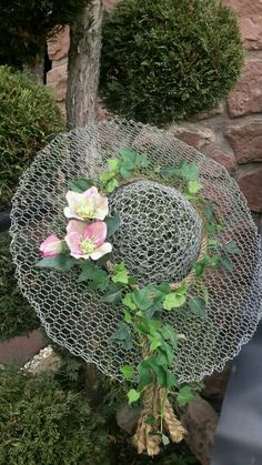 schöne Deko im Garten by myrna - Amenagement Jardin Recup Garden Yard Ideas, Garden Crafts, Garden Projects, Garden Decorations, Diy Garden, Garden Care, Indoor Garden, Chicken Wire Art, Chicken Wire Crafts