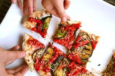 The Pizza Lab: The Complete Updated Guide to Grilled Pizza - Cooking Grilled Pizza Recipes, Veggie Recipes, Veggie Food, Vegetarian Grilling, Grilling Recipes, Camping Recipes, Barbecue Recipes, Cheesy Pizza Recipe, California Pizza Kitchen