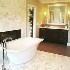 Soak away in luxury.... #arterrarealty #artevahomes #luxury #luxurylifestyle #luxurybath #interiordesign #decor #tub #romantub #homestaging #realestate #michiganrealtor #mirealtor #rochesterhillsmi #ideashowhouse #bathroomideas #southeastmichigan #noplacelikehome #clearcreek #relax by realestatelev Bathroom designs.
