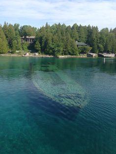Shipwreck in Big Tub Harbor, Tobermory, Ontario Tobermory Ontario, Big Tub, Shipwreck, Canada, River, Outdoor, Outdoors, Outdoor Games, Outdoor Life