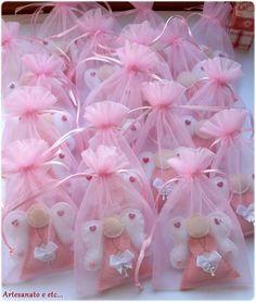 Darling felt angel ornaments - cute gifts!