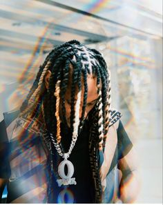 Dreadlock Hairstyles For Men, Twist Hairstyles, Hair Trap, King Pic, Rapper Outfits, Summer Outfits Women 30s, Cute Rappers, Lil Durk, Photoshoot Concept