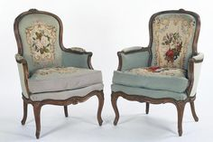 A round-up of antique chair styles. Here's a listing of various types of antique chairs, with links to more detailed articles on each one. This list of antique chairs also contains links to more general antique-style articles.