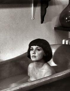 Rub-a-dub-dub: Jeanne Moreau (Film Noir Photos)