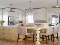 Adorable 25+ Awesome Farmhouse Interior With Sarah Richardson Design https://decorathing.com/home-apartment/25-awesome-farmhouse-interior-with-sarah-richardson-design/