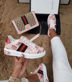 Ideas For Sport Shoes Dress Sneakers Hype Shoes, Women's Shoes, Me Too Shoes, Pink Shoes, Shoe Boots, White Nike Shoes, Sneakers Fashion, Fashion Shoes, Cute Sneakers