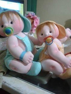Patrón gratis para estos hermosos bebés de trapo