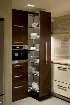 kitchen1pantry_march2011.jpg 295×443 pixeles