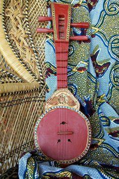 """gypsy folk guitar"" on etsy Ukulele, Banjo, Musica Celestial, Gypsy Style, Bohemian Style, Boho Chic, Hippie Style, Guitar Art, Gypsy Guitar"