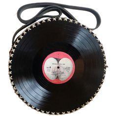 Original Pin: Vinyl Records Bag, Vinyl Handbag, Handmade Purse, Vinyl Lovers,... ❤ liked on Polyvore featuring bags, handbags, vinyl handbags, hipster handbags, purse bag, man bag and handbags bags