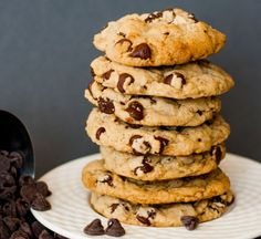 Vegan Chocolate Chip Cookies | 15 Easy Vegan Recipes To Make Your Life Simple | Gluten Free, Low Carb, Cheap and Low Carb Vegan Recipes That Actually Taste So Great!  http://homemaderecipes.com/15-easy-vegan-recipes/