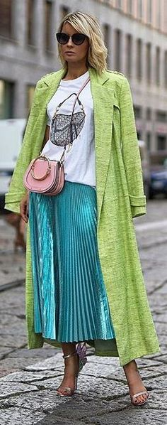 Sneakers Street Style, Cool Style, My Style, Street Style Looks, Street Chic, Pleated Skirt, Casual Chic, Gitta Banko, Spring Fashion