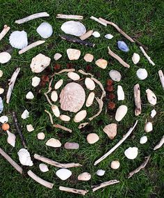 Art therapy directives – Mandala art – Outdoor art – Expressive art – Art activities – Art the – Best Relaxing Art Therapy Activities For Mental Well-Being Mandala Art, Mandala Meditation, Mandala Painting, Art Et Nature, Nature Crafts, Art Therapy Activities, Nature Activities, Mindfulness Activities, Land Art