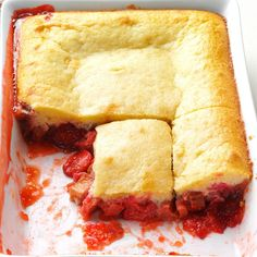 Strawberry-Rhubarb Flip Cake Recipe -My friend Dave always brought two strawberry rhubarb cakes to work to celebrate his birthday. He'd use up rhubarb growing in the yard and treat his co-workers. Strawberry Rhubarb Cake, Rhubarb Desserts, Potluck Desserts, Frozen Desserts, Dessert Recipes, Cake Recipes, Potluck Recipes, Rhubarb Dishes, Cooking Rhubarb