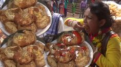 Indian People Eating Delicious Gol Gappa (Pani Puri/Puchka) | Best Stree...