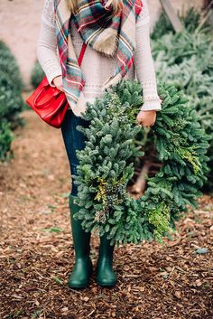 christmas tree farm outfit // plaid scarf & hunter boots
