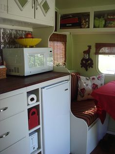 other end of kitchen redo vintage camper trailer glamping Kombi Trailer, Kombi Motorhome, Camper Caravan, Camper Trailers, Shasta Camper, Old Campers, Retro Campers, Happy Campers, Vintage Campers