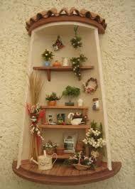 Risultati immagini per tejas decoradas Vitrine Miniature, Miniature Rooms, Clay Houses, Ceramic Houses, Clay Fairy House, Fairy Houses, Clay Wall Art, Doll House Crafts, Tile Crafts