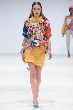 Modeconnect.com - Naomi Lewis knitwear design