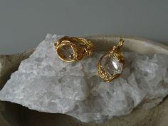 ハーキマーダイヤモンドをワイヤーで巻きました。 Bracelets, Gold, Jewelry, Bangles, Jewlery, Jewels, Bracelet, Jewerly, Jewelery