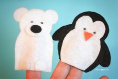 Repeat Crafter Me: Snow Friends Finger Puppets - free pattern and tutorial
