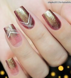 Geometry always finds places in fashion. Lines, triangles, squares can all be placed on a nail.