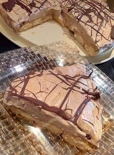 Homemade cheesecake chocolate eggs for Easter – KochTr … – About Healthy Desserts Keto Chocolate Recipe, Chocolate Sweets, Appetizer Buffet, Greek Desserts, Healthy Desserts, Snap Food, Adult Birthday Cakes, Food Gallery, Food Snapchat