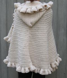 Soooo want to make this!!  Shawl-White-121708-2 by poodlemama9, via Flickr