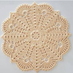 Diy Crafts - super Ideas for crochet doilies placemat rugs Filet Crochet, Crochet Lace Edging, Granny Square Crochet Pattern, Crochet Flower Patterns, Crochet Mandala, Crochet Squares, Crochet Designs, Diy Crafts Crochet, Crochet Home