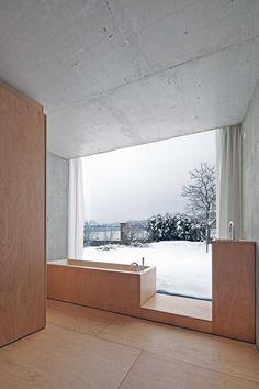 Petr Hájek Architekti - Chameleon house, Prague 2013. Via,.../ łazienka z betonu i drewna Potrzebujesz podobnego projektu - możemy go dla Ciebie wykonać www.loftstudio.pl