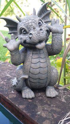 Gartendrache grimaces - All For Garden Dragon Statue, Dragon Art, Gold Dragon, Clay Dragon, Dragon Garden, Dragon Figurines, Dragon Pictures, Cute Dragons, Little Dragon