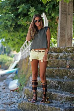 trendy_taste-look-outfit-street_style-asos-zara-green_top-militar-verde_militar-top verde-leather-cuero-yellow_shorts-suiteblanco-shorts_amarillos-sandalias_romanas-gladiators-leo_belt-cinturon_leopardo-verano-beach-playa-SS13-summer-6 by Trendy Taste, via Flickr