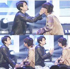 Oh my goodness.my taekook heart can't handle it. Bts Jungkook, V Taehyung, Taekook, Vkook Memes, Bts Memes, Seokjin, Namjoon, K Pop, Banda Kpop