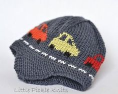 Little Cars Aviator Knitting pattern by Little Pickle Knits – stricken einfach kinder Intarsia Knitting, Arm Knitting, Knitting For Kids, Knitting Projects, Baby Knitting Patterns, Knitted Hats Kids, Sport Weight Yarn, Paintbox Yarn, Cool Hats