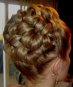 This was my wedding updo before the vale. Very 90's but I still think it is pretty =)