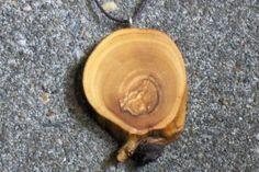Wooden pendant olive houten hanger ketting hout olijf - knoest.com