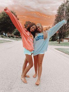 Cute Friend Photos, Sister Pictures, Best Friend Pictures, Bff Pics, Beach Best Friends, Best Friends Shoot, Cute Friends, Friend Poses, Beach Poses
