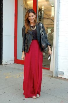 Love this skirt! Plus more maxi outfits!
