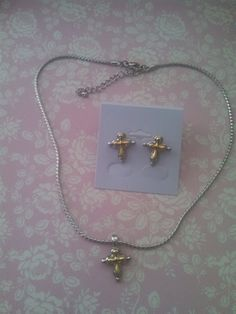 Hey, I found this really awesome Etsy listing at https://www.etsy.com/listing/467493947/gold-silver-tone-cross-jewelry-set