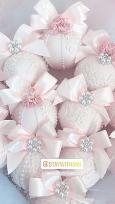 Shabby Chic Christmas Ornaments, Rose Gold Christmas Decorations, Elegant Christmas Decor, Christmas Ornament Sets, Handmade Ornaments, Pink Christmas Tree, Blush Pink, Decorating Ideas, Holiday