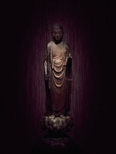 Jizō Bosatsu (क्षितिगर्भ) by the sculptor Intan, 13th century Japan. Photograph by Dilip Goswami.