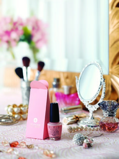 The Rose Garden dressing table Opi Pink, Langham Hotel, La Petite Boutique, Beauty Makeup, Hair Beauty, Luxury Collection Hotels, Dresser Vanity, Girls Life, Me Time