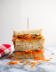 Spicy Carrot & Hummus Sandwich