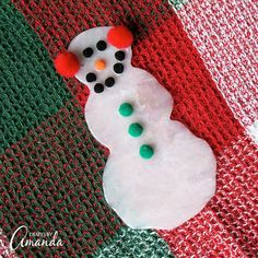 Turn ordinary glue into an adorable glue snowman. Great as a gift topper, part of a homemade garland or as a snowman ornament for the Christmas tree. Winter Kids, Christmas Crafts For Kids, Christmas Snowman, Simple Christmas, Holiday Crafts, Christmas Ornaments, Christmas Ideas, Christmas Decorations, Preschool Christmas