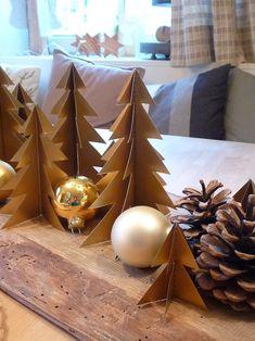 Am Vorabend zum Heiligen Abend   schicke auch ich noch schnell   meine Weihnachtsgrüße zu Euch hinaus.   Vielleicht ist da ja noch die ei...