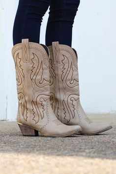 bd710763429 39 Best Cowgirl Boots images in 2018 | Cowgirl boots, Boots, Cowboy ...
