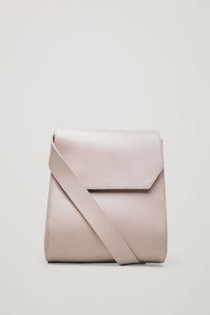 92a0f4dc1f3b Moulded shoulder bag Minimalist Bag
